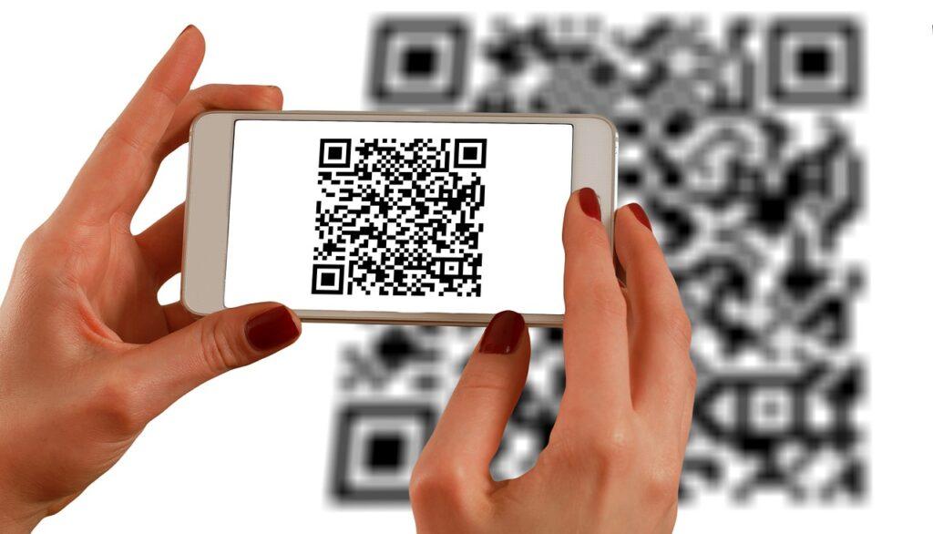 hands, smartphone, barcodes-1167612